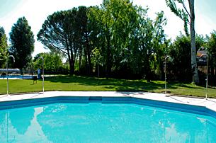 Previsa piscinas moralzarzal for Piscina villalba